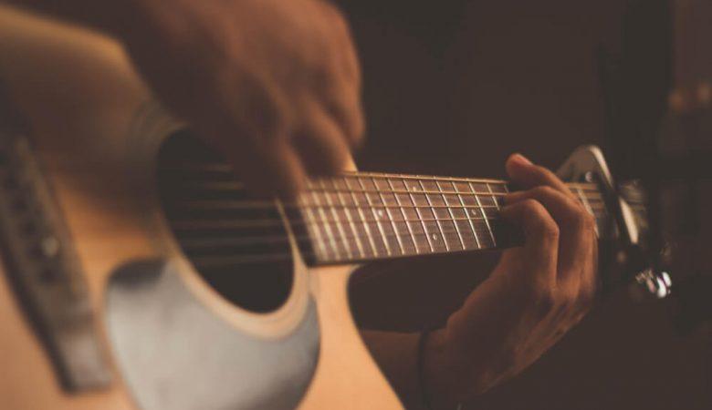 Foto guitarra para concierto en Puente Alto