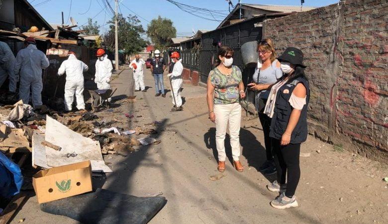 Municipalidad de Puente Alto limpiando domicilio