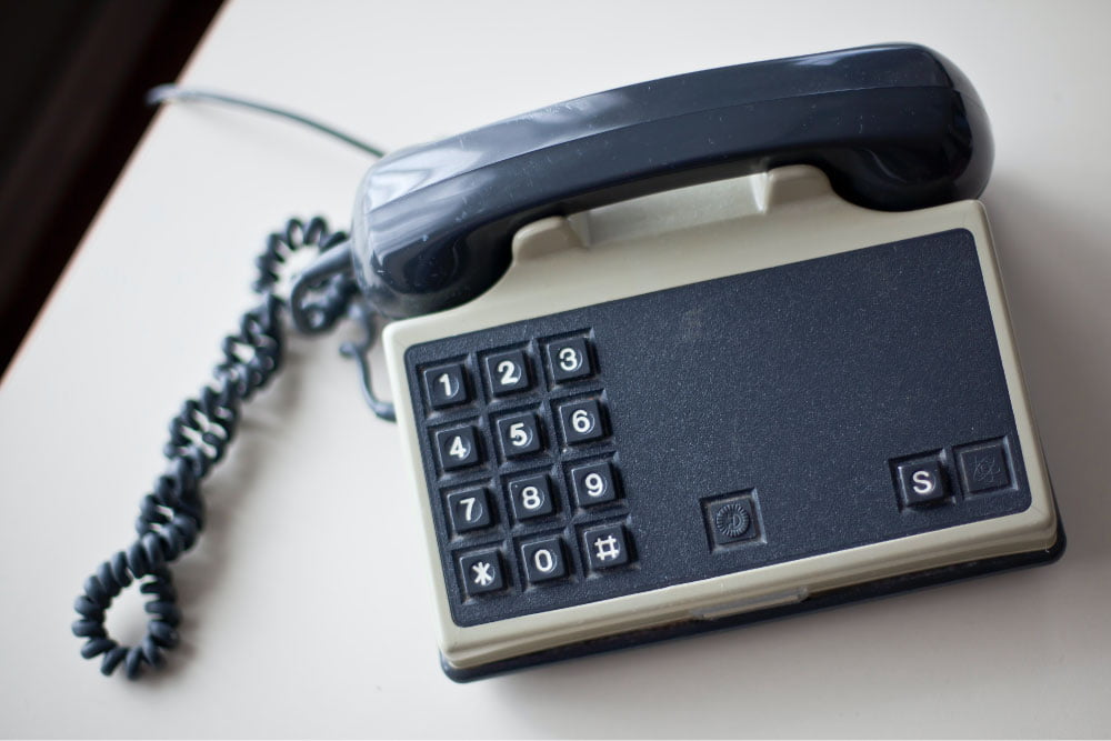 Foto de un teléfono de escritorio