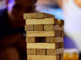 Foto de juego de mesa jenga, puente alto