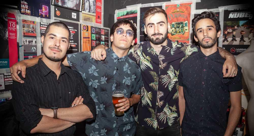 Integrantes de banda argentina desembarco