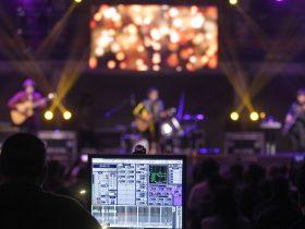 Foto de concierto de rock, ministerio de las culturas para somos puente alto